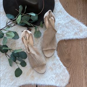 M. GEMI tan colored suede leather block heel